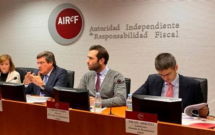 A la derecha de la imagen Israel Arroyo Martínez